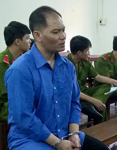 Bị cáo Vinh nhận 18 năm tù về tội Giết người. Ảnh: Hải Duyên