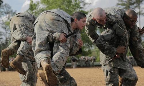 Thủy quân lục chiến Mỹ gây tranh cãi vì từ chối nữ binh 1