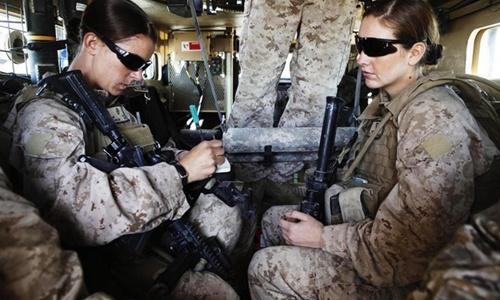 Thủy quân lục chiến Mỹ gây tranh cãi vì từ chối nữ binh 2