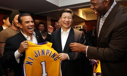 Những khoảnh khắc nhẹ nhõm của lãnh đạo Trung Quốc ở Mỹ 4