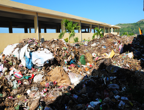 Có nhà máy xử lý 30 tỷ đồng, rác vẫn ngập biển Lý Sơn 1