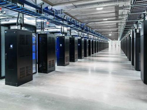 facebook-data-centre3-3586-1443242978.jp