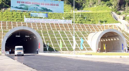 Thông xe hầm Cổ Mã qua đèo Cả 1