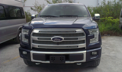 Ford-F150-Platinum-3_1443287252.jpg