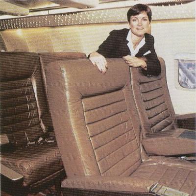 Năm 1987, hãng hàng không Braniff Airlines giới thiệu đến hành khách rằng ghế ngồi được bọc da với khẩu hiệu