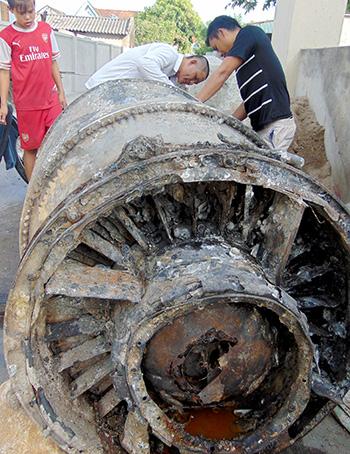 Động cơ máy bay Mỹ rơi ở Hà Tĩnh được mua với giá 30 triệu 1
