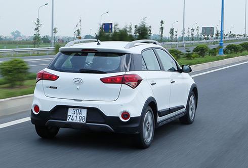 Hyundai i20 Active - hatchback ẩn bóng crossover 2