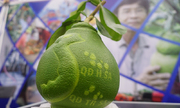 Nông dân 'trình diễn' sản phẩm tại chợ khoa học