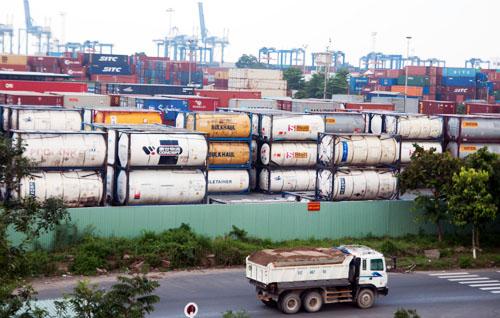"""Lãnh đạo cảng Cát Lái: """"Khu chứa hóa chất không quá nguy hiểm"""" 1"""