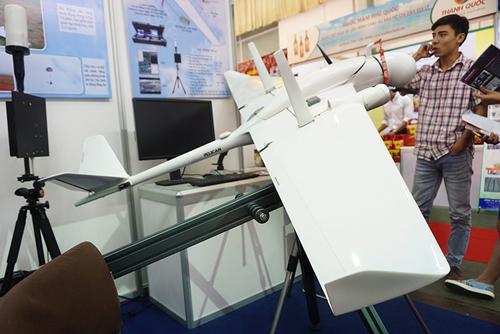 Hai mẫu máy bay không người lái nổi bật tại Techmart 2015 2