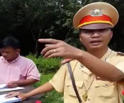 """CSGT Đồng Nai cho """"người lạ"""" cùng tuần tra 1"""