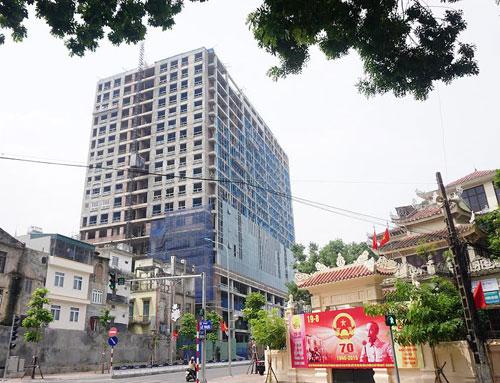 Hà Nội yêu cầu chủ đầu tư nhà 8B Lê Trực tự phá dỡ phần sai phạm