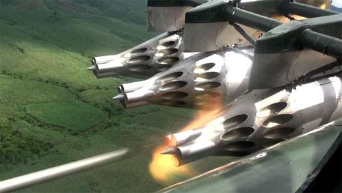 Trực thăng luyện tập bắn rocket tiêu diệt mục tiêu mặt đất 1