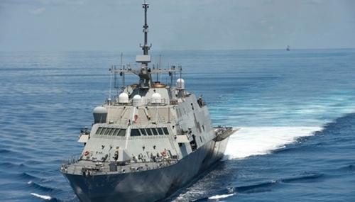 Tàu chiến đấu ven biển USS Fort Worth (LCS-3) của Mỹ trong một nhiệm vụ ở Biển Đông. Ảnh: USNavy