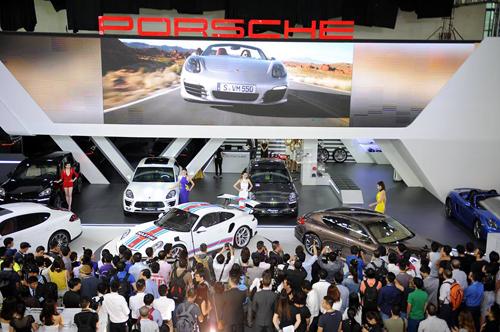 Porsche giới thiệu 8 mẫu xế sang cho khách Việt 1