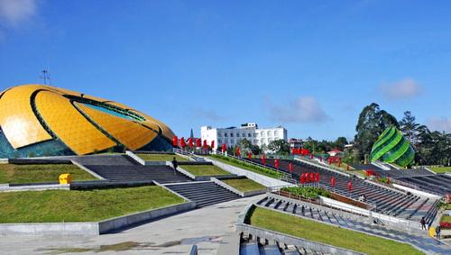 Quảng trường Lâm Viên chính thức được gắn tên sau 6 năm xây dựng. Ảnh: Tường Băng