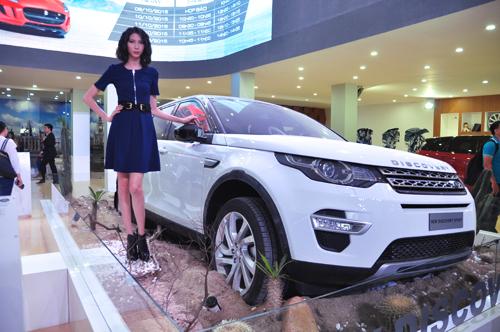 Land Rover và 4 mẫu SUV hạng sang cho khách Việt 1