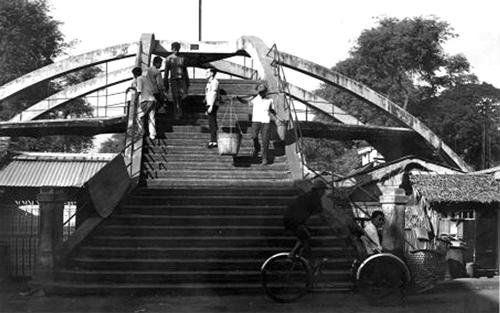 Ba Cẳng - cầu đi bộ đầu tiên ở Sài Gòn 2