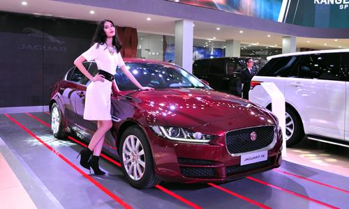 Jaguar XE tại VIMS 2015.