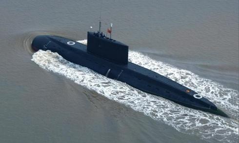 Tàu ngầm Trung Quốc chạy như 'khua chiêng gõ trống'