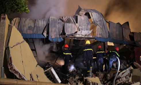 Mất điện trung tâm TP Thanh Hóa vì cháy kho hàng