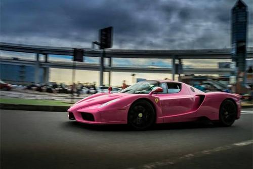 """Siêu xe Ferrari Enzo màu """"độc"""" nữ tính tại Nhật 2"""