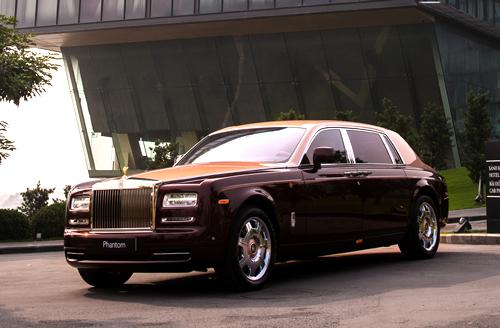 Rolls-Royce Lửa Thiêng 50 tỷ của đại gia Việt lên báo Tây