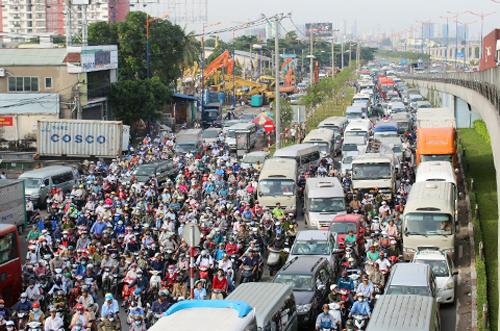 Đề xuất xén vỉa hè để giảm ùn tắc ở Sài Gòn 1