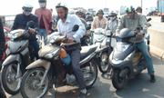 Sài Gòn xén vỉa hè liệu có giảm kẹt xe?