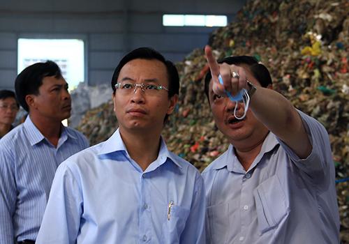 Tân Bí thư Đà Nẵng thị sát bãi rác ô nhiễm 1