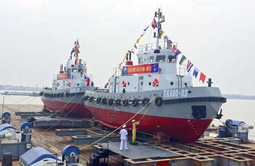Quân chủng Hải quân có thêm 2 tàu kéo 1