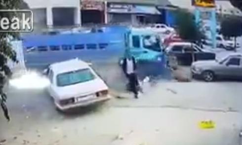 Hàng loạt ôtô đâm nhau vì cố tránh chim bồ câu 4