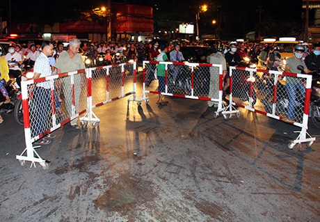 Sài Gòn : 2 cô gái lạnh lùng đâm gục thanh niên giữa vòng xoáy