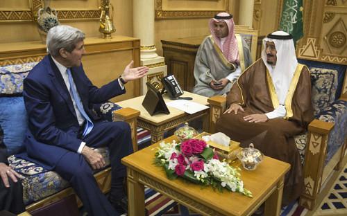 Lao đao vì giá dầu, Arab Saudi vẫn đổ tiền cho cuộc chiến Syria 1