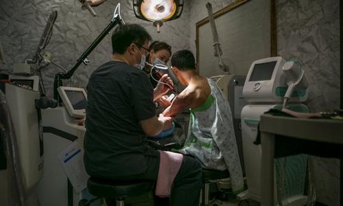 Người rời bỏ Triều Tiên xóa quá khứ nhờ phẫu thuật thẩm mỹ 1