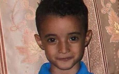 Bé trai 6 tuổi bị trúng bom van xin 'đừng chôn cháu'
