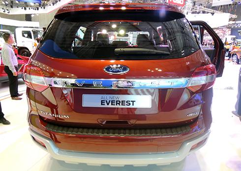 ford-everest-2015-trinh-lang-viet-nam-2