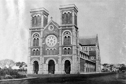 Nhà thờ Đức Bà Sài Gòn và hai lần bốc thăm định mệnh