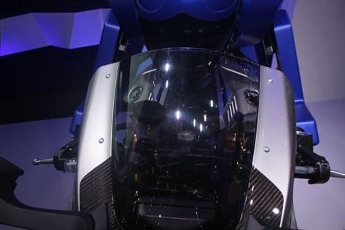 yamaha-phat-trien-robot-lai-moto-9
