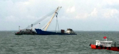 Trục vớt tàu chìm ở TP HCM 2