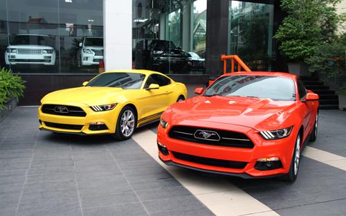 Cặp đôi Mustang kỷ niệm 50 năm đầu tiên về Việt Nam 1