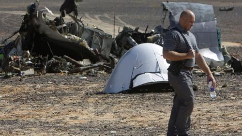 Thủ tướng Anh nghi ngờ máy bay Nga bị đặt bom