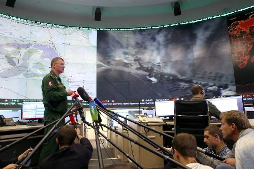 """Chiến dịch không kích Syria giành được trái tim của """"thế hệ Putin"""" 2"""
