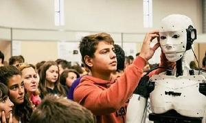 Người chế tạo robot in 3D trẻ nhất thế giới