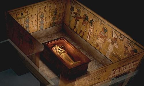 phong-chua-bi-mat-co-the-ton-tai-trong-mo-vua-tutankhamun