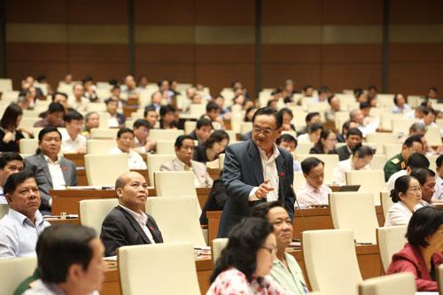 Quốc hội thông qua kế hoạch phát triển kinh tế xã hội năm 2016 1