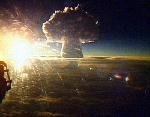 Vụ nổ bom nguyên tử lớn nhất thế giới 54 năm trước 1