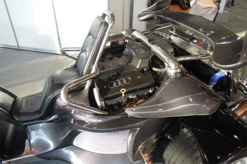 Môtô 3 bánh tự chế với động cơ Audi A8 3