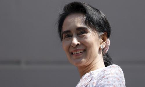 """Cuộc chiến giữa """"Quý bà"""" Myanmar và các tướng lĩnh quân đội 1"""