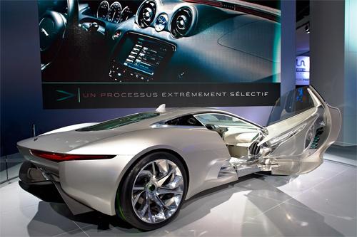 Triển lãm xe cho khách hàng siêu giàu ở Dubai 7